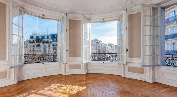 Use the expert eye of an architect / real estate professional before purchasing a new house or apartment in Bordeaux.