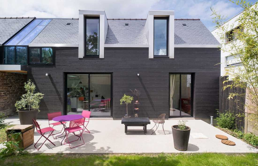 Contemporary terraced house in Bordeaux